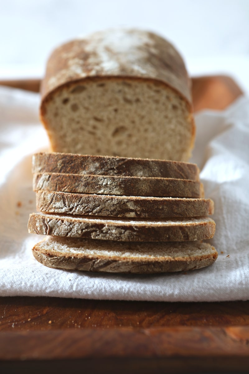 sliced sourdough sandwich bread