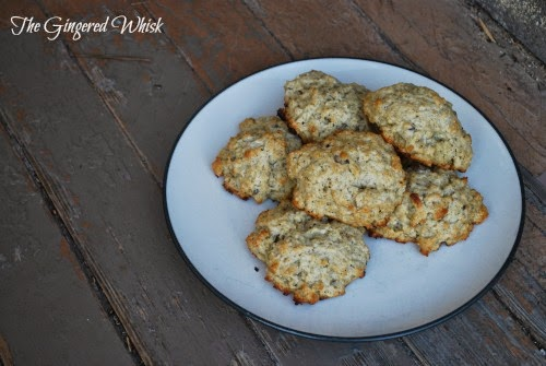 plate with earl grey scones