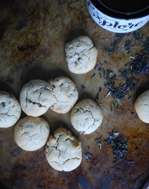 chocolate chip cookies with earl grey tea