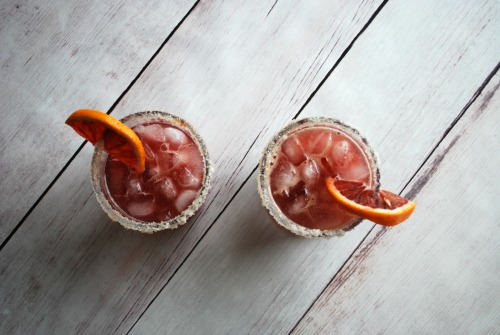 This bourbon smash is like whoa! Fresh blood orange juice and spicy vanilla sugar make it pretty amazing!