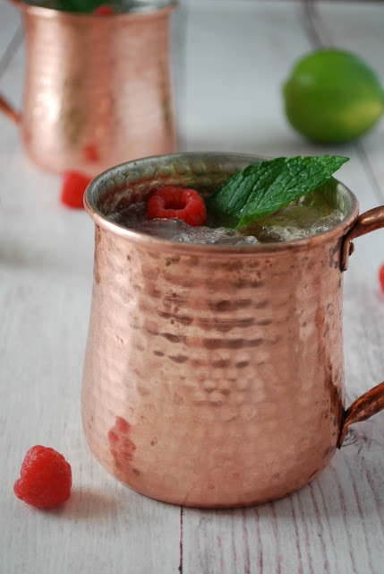 Raspberry Mint Moscow Mule - Perfect cocktail for summer!