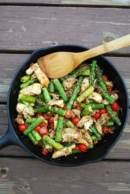 Skillet Pesto Chicken and Veggies
