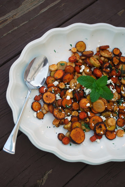 Easy Roasted Carrots with Moroccan spice, Feta and Mint - SO amazing!!