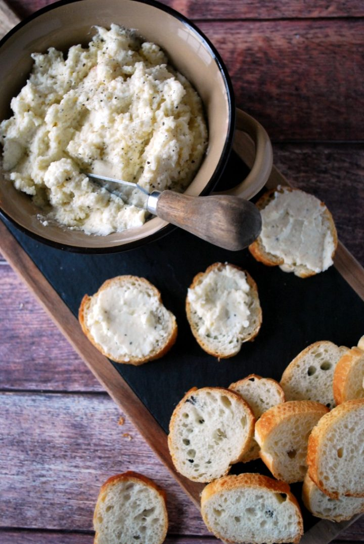 Easy Cheese and Wine Dip