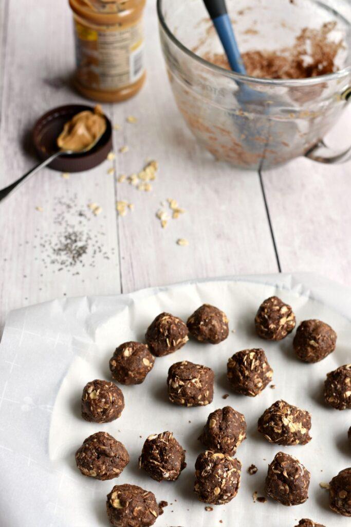 Chocolate Peanut Butter Energy Bites