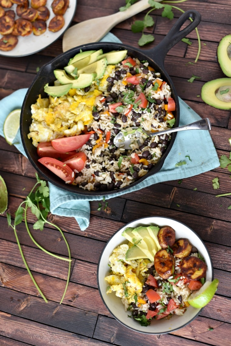 bowl and skillet of gallo pinto