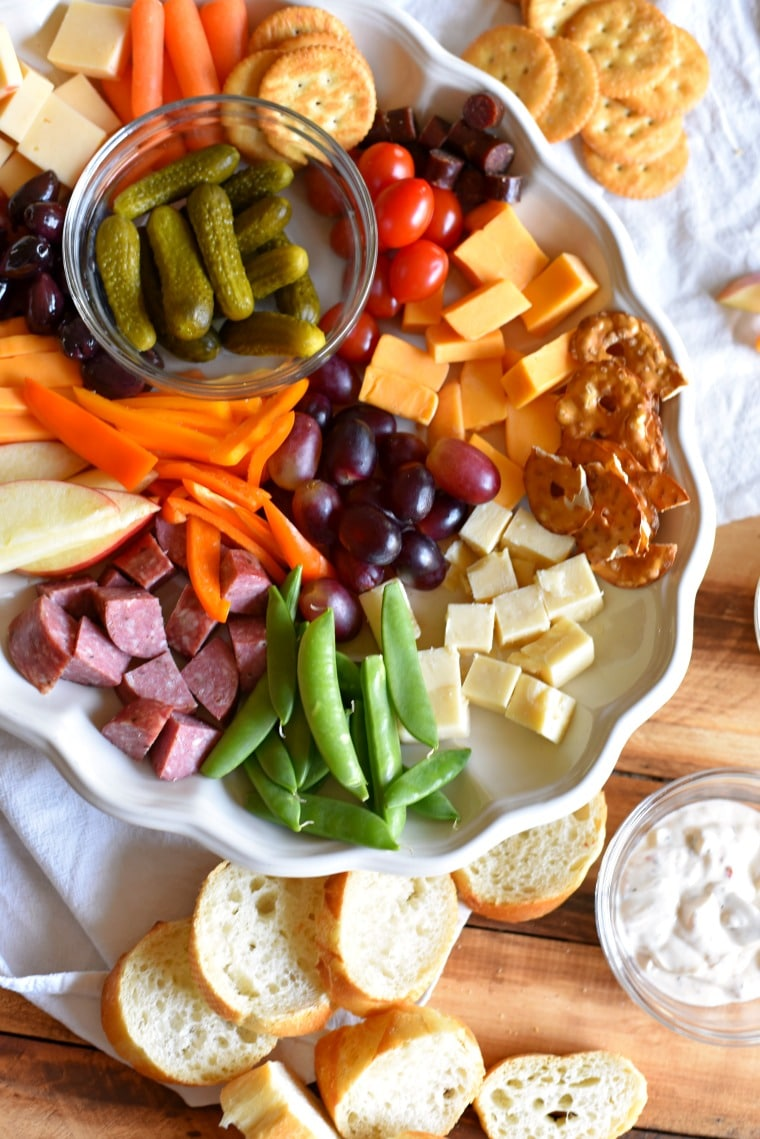 kid-friendly-charcuterie-board