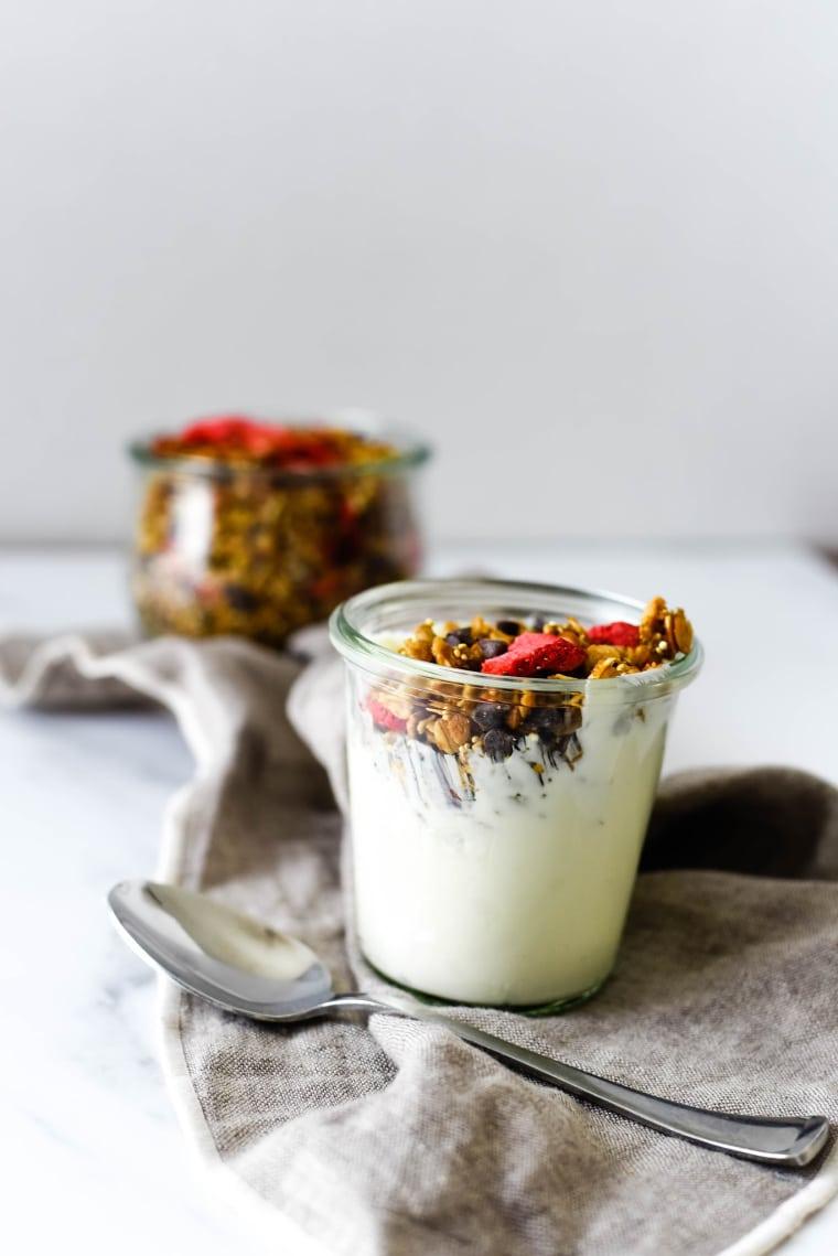 granola and yogurt in jar