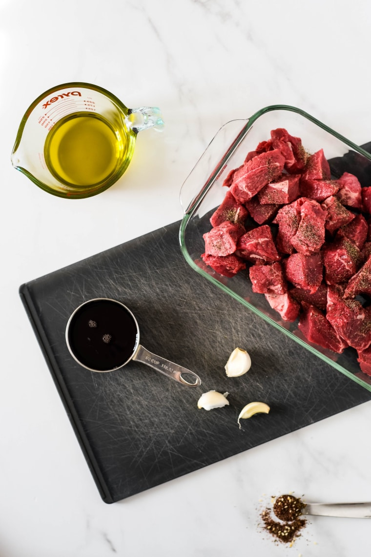 ingredients for marinating za'atar beef