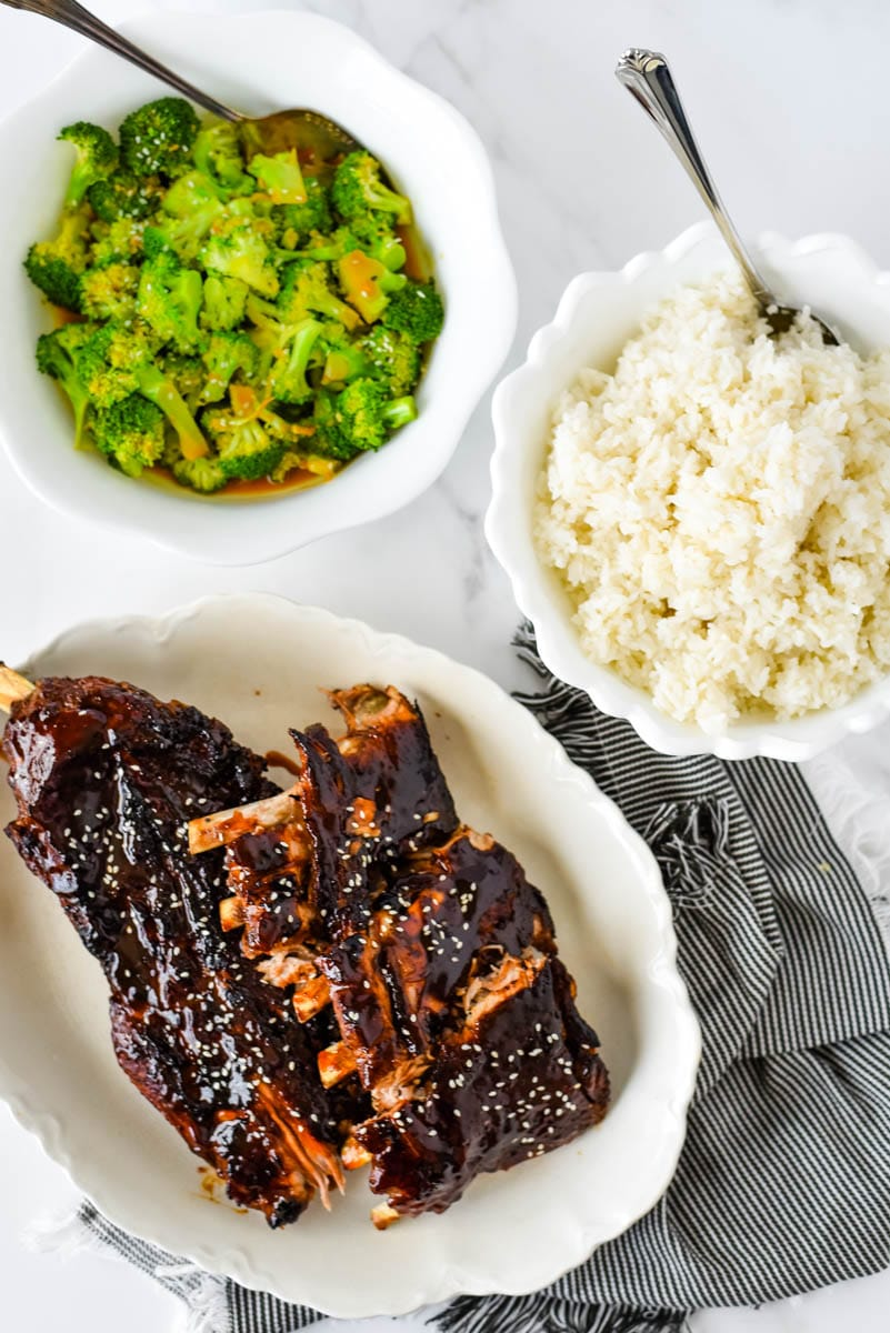 asian sticky ribs with broccoli and rice