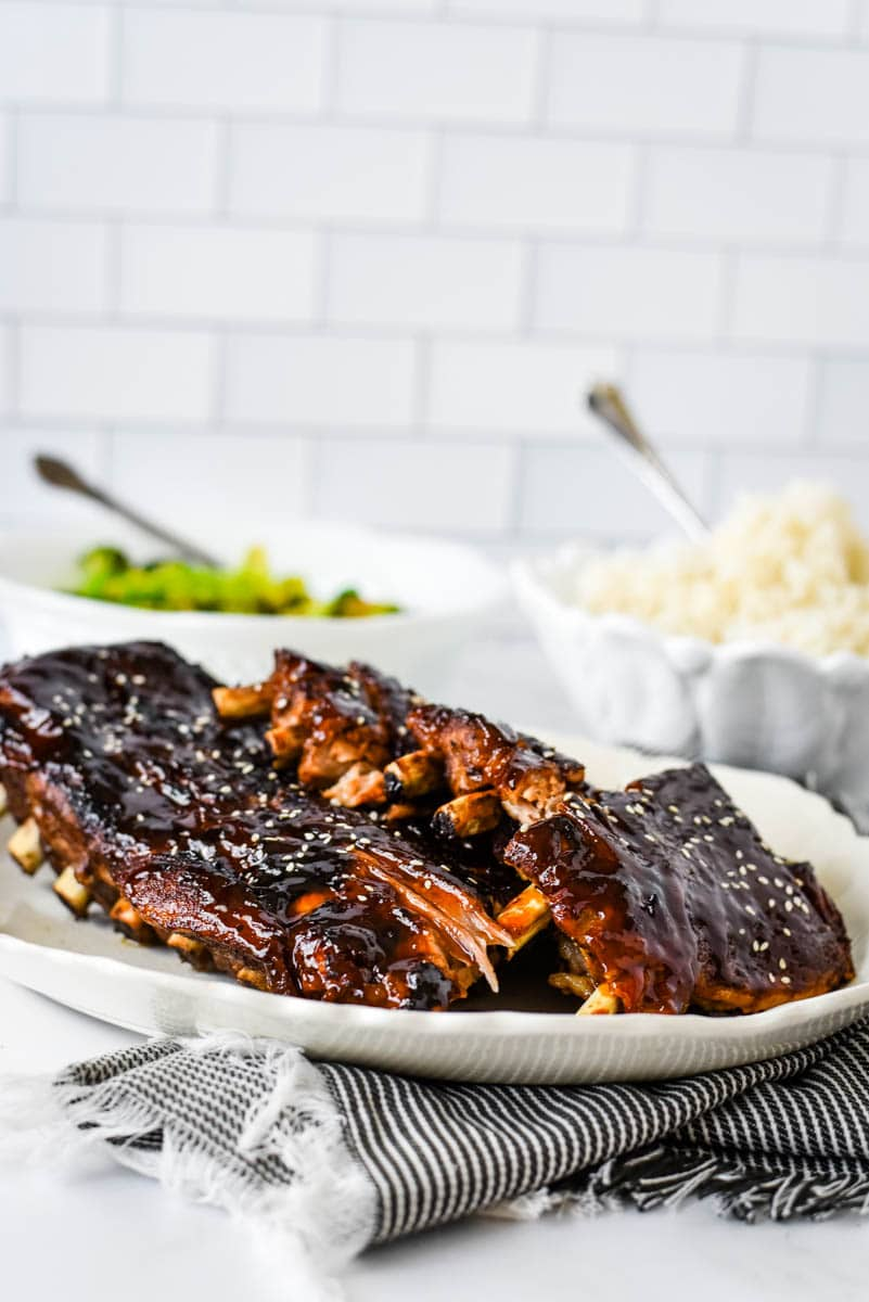 Chinese sticky ribs with rice and broccoli